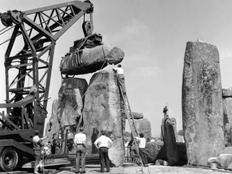 Memindahkan Batu Besar KE Stonehenge